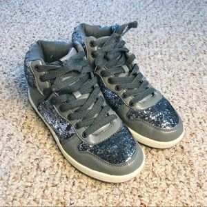 Junior's Gray Sparkle Rue21 High Top Sneakers 7.5
